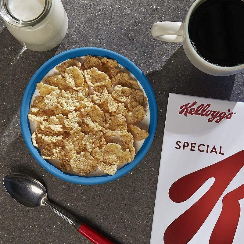غلات صبحانه کلاسیک اسپشیال کلاگز حاوی گندم و غلات برنج وزن 420 گرم